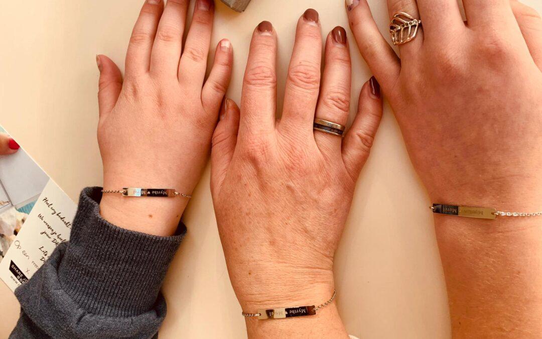 15 jaar moeder: gegraveerde armbandjes om onze bijzondere band te symboliseren*